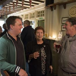 Socialising at Clothworkers Arms Sutton Valence 5